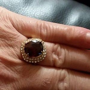 Jewelry - Beautiful faux Ruby ring